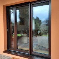 Dřevěné dveře a okna